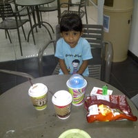 Photo taken at 7-Eleven by cinthia rosalina p. on 6/8/2013