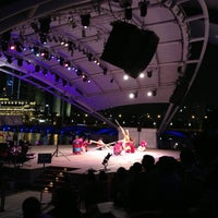 Photo taken at Esplanade - Theatres On The Bay by Jeff W. on 10/27/2012
