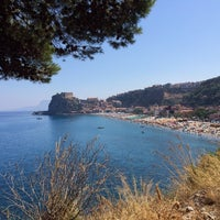 Photo taken at Scilla by ro b. on 8/10/2014