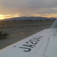 Photo taken at Gate 20 by Noriyuki T. on 11/16/2014