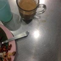 Photo taken at Restoran Al Sarjah by oniy on 4/5/2015