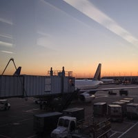 Photo taken at Gate B5 by いがため on 9/27/2013