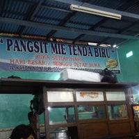 Photo taken at Depot Mie Pangsit Tenda Biru by awali h. on 4/10/2013