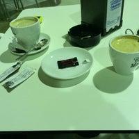 Photo taken at Cafe Bianco by Nestor M. on 3/19/2015