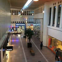 Photo taken at SKHLM - Skärholmens Centrum by Katsu on 9/9/2016