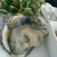 Photo taken at Kia Nguan Restaurant Mahachai Seafood by ChaVy .. on 8/12/2016