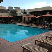 Photo taken at Sheraton Palo Alto Hotel by Heesoo K. on 3/29/2013