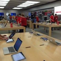 Photo taken at Apple Oxmoor by Chris on 12/3/2012