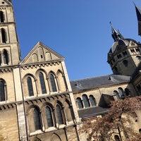 Снимок сделан в Munsterkerk пользователем Reinhard S. 3/29/2014