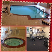 Photo taken at Holiday Inn Express Effingham by Mary W. on 8/1/2013