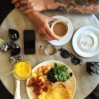 Photo taken at Cafe Pick Me Up by Freddy R. on 4/27/2014