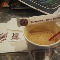 Photo taken at Bengawan Solo Coffee by Om A. on 8/31/2013