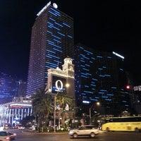 Photo taken at The Cosmopolitan of Las Vegas by Thomas M. on 4/19/2013