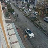 Photo taken at Final Dergisi Dersaneleri by Habib K. on 2/2/2016