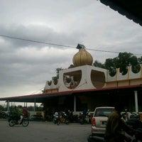 Photo taken at Masjid Al-Ansar by Abdul R. on 1/18/2013