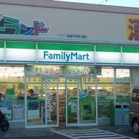 Photo taken at ファミリーマート 藤沢柄沢店 by norio k. on 8/31/2013