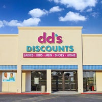 Photo taken at dd's DISCOUNTS by dd's DISCOUNTS on 10/22/2014