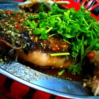 Photo taken at Restoran Teo Chiew (潮州大饭店) by Toong Boon on 2/9/2013
