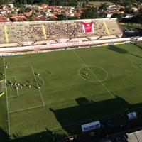 Foto tirada no(a) Estádio Romildo Vitor Gomes Ferreira por Felipe P. em 4/21/2013