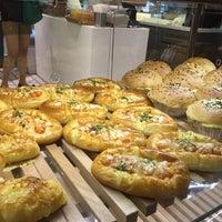 Photo taken at BreadTalk / Toast Box by Katsunori K. on 4/14/2015