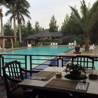 Photo taken at Puteri Gunung Hotel & Conference by Yusep F. on 11/28/2014