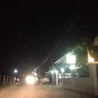 Photo taken at พรสว่างเนื้อย่าง by Chantaralak on 4/20/2014