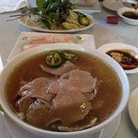 Photo taken at Hoa Bien Vietnamese Restaurant by Seung Min 'Mel' Y. on 8/10/2012