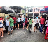 Photo taken at Penang Road Famous Teochew Chendul (Tan) by Yih Ning L. on 8/26/2012