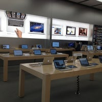 Photo taken at Apple Store, 4th Street by Arlene on 3/15/2012
