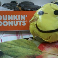 Photo taken at Dunkin' Donuts by Saleh L. on 9/9/2012