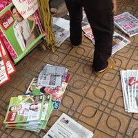 Photo taken at Sạp Báo Văn Khoa by Hà Vũ .. on 5/27/2012