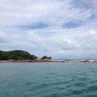 Photo taken at เกาะมันกลาง by Thanasorn K. on 5/25/2012