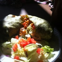 Photo taken at Mr Taco : Fresh Mexican Grill by Jailyne Abigael on 8/31/2012