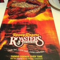 Photo taken at Kenny Rogers Roasters by Pajero Y. on 12/26/2011
