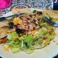 Photo taken at Chili's Grill & Bar by Yane M. on 2/14/2012