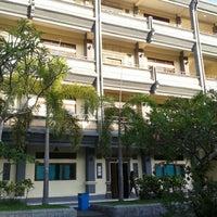 Photo taken at Fakultas Ekonomi by JoTei on 11/25/2011