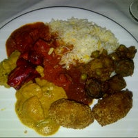 Photo taken at 2 Darbar Grill Fine Indian Cuisine by Lia Deliana S. on 6/27/2012