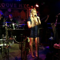 Photo taken at Groove NYC by Laurent R. on 12/18/2011