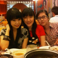 Photo taken at Shabu Slim Kelapa Gading Mall by Shanzz S. on 8/20/2012