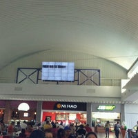 Photo taken at Food Court Carrusel by Moisés A. on 7/26/2012