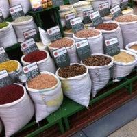Photo taken at Mercado Municipal de Curitiba by Maycon P. on 8/31/2012