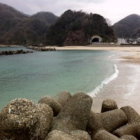 Photo taken at 諸寄海岸 by pirokichi0819 on 1/21/2012