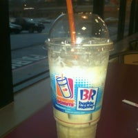 Photo taken at Dunkin' Donuts by Kenneth C. on 12/22/2011