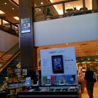 Photo taken at Barnes & Noble by Luis A. on 9/24/2011