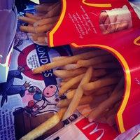 Photo taken at McDonald's by Felipe K. on 4/21/2012