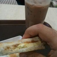 Photo taken at BreadTalk / Toast Box by Kumar J. on 8/1/2012