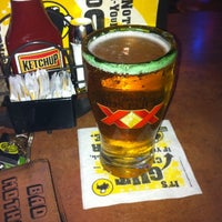 Photo taken at Buffalo Wild Wings by 👹Christian R. on 8/16/2011