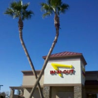 Photo taken at In-N-Out Burger by Rob H. on 1/26/2011
