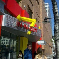 Photo taken at In-N-Out Burger by Jencita V. on 10/18/2011