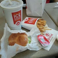 Photo taken at Wendy's by Pablo M. on 1/28/2012